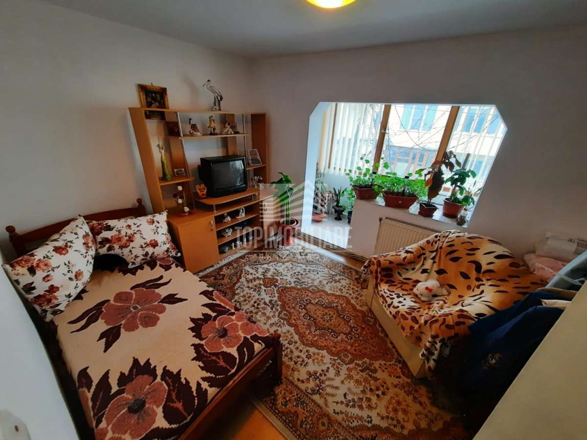 Bucovinei zona Mag. Liana – Ap. 4 camere, etaj I